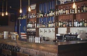 Produzione banchi bar inox su progetto